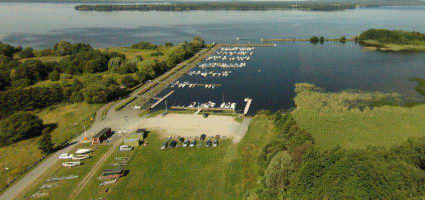 Nytt avtal i hamn – Båtklubben tar över bryggorna